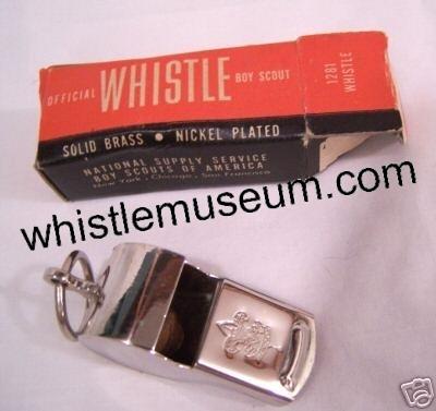Whistle_museum,_Esc__w__Box_Boy_scout_1281_whistle