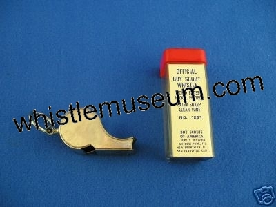 whistle_museum,_American_whistles,_Boy_Scouts_EscargotEsc_scout_whistle